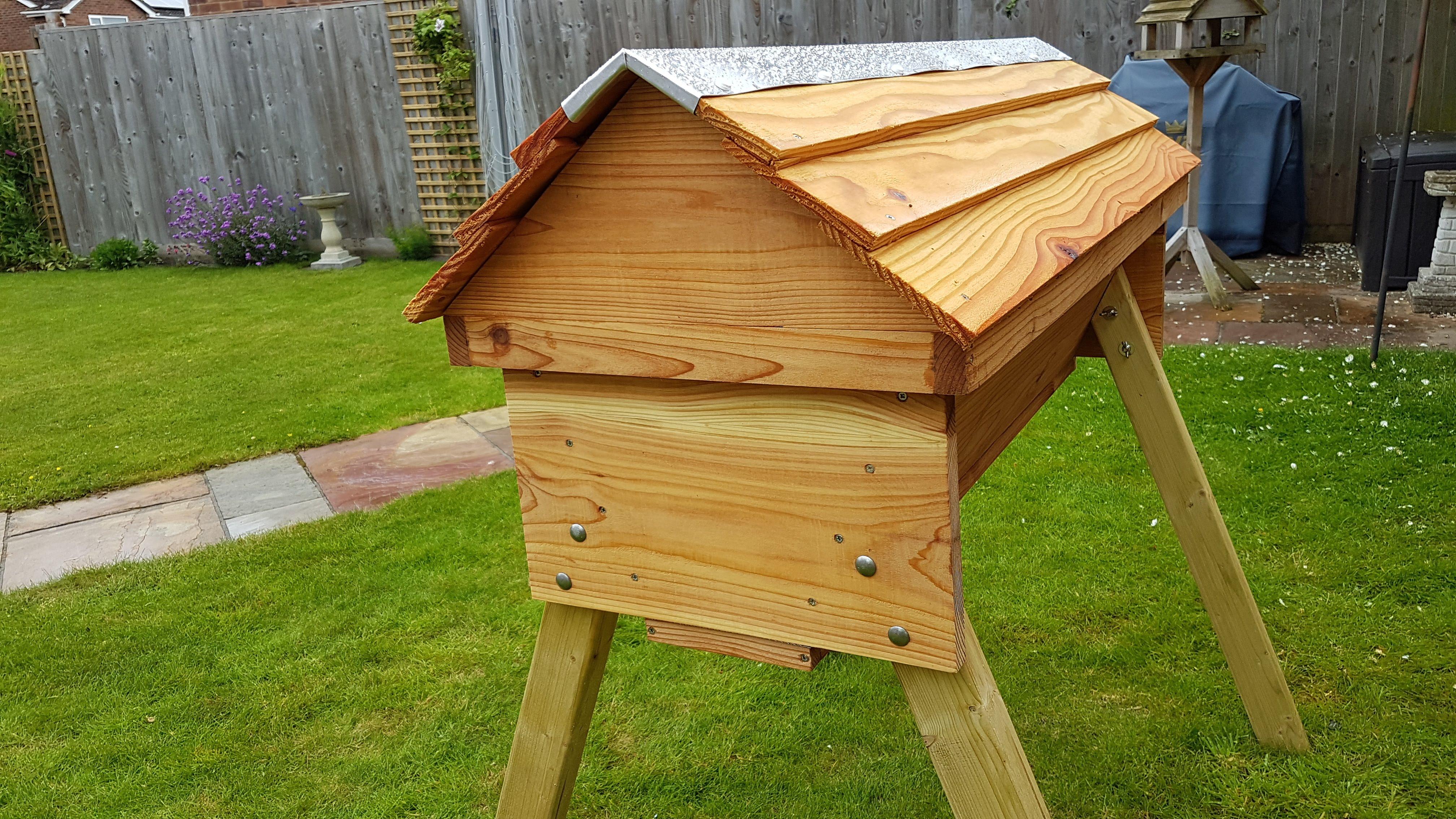 Horizontal Top Bar Beehive | Top Bar Beehives | Natural ...